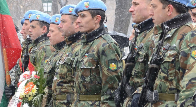 Армията ни е боеспособна въпреки нередностите в МО (видео)