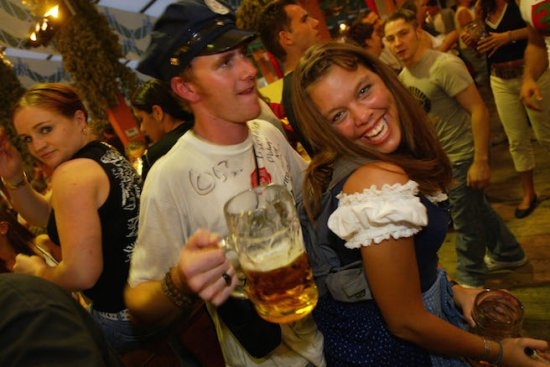 Некрасиви жени няма, има малко алкохол!