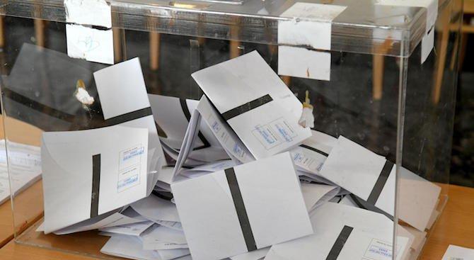 Тихомир Безлов: Хората ще гласуват за по-малкото зло