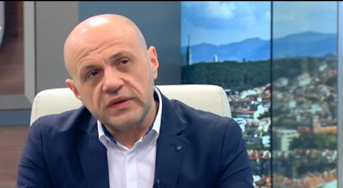 Томислав Дончев: Иска ми се да избягам от много неща, най-вече от простотията