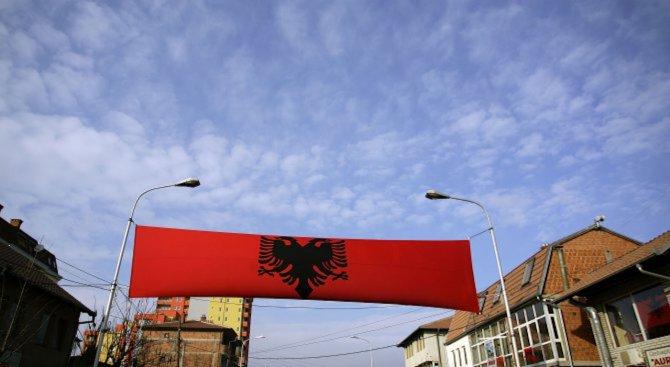 Вратата към ЕС остава отворена за Албания в очакване на напредък