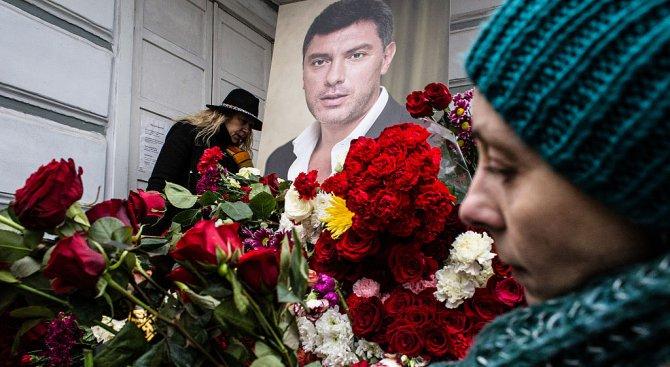 Хиляди участваха в шествие в памет на Борис Немцов в Москва