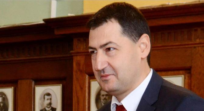 Иван Тотев регистрира листата на ГЕРБ в Пловдив с водач Бойко Борисов