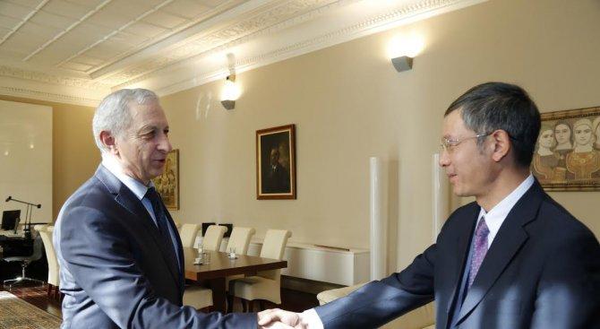 Огнян Герджиков прие китайски инвеститори (снимки)