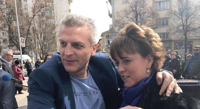 Петър Москов покани Корнелия Нинова на дебат