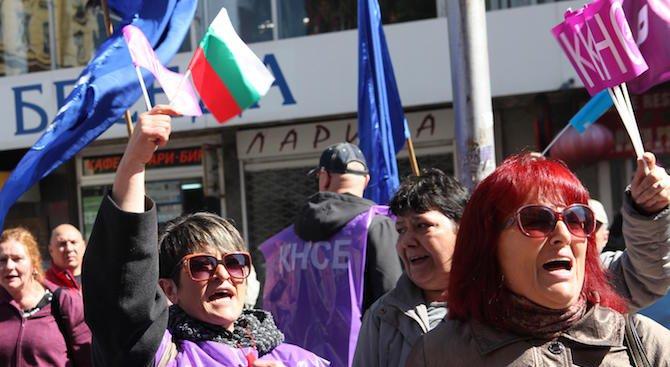 Служители на ЧЕЗ плашат с протести