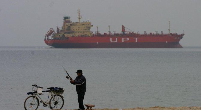 Министър Балтова разпореди незабавна проверка на плажа във Варна