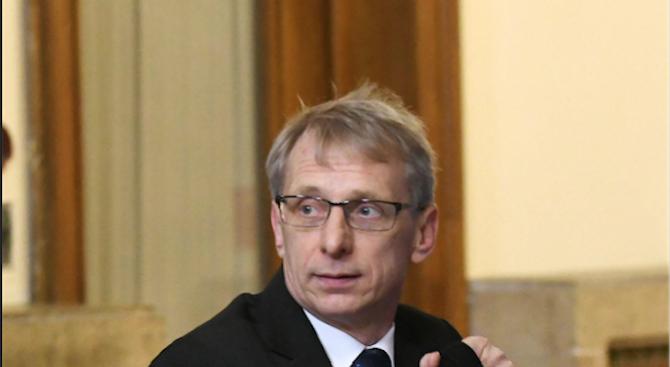 Николай Денков ще открие седмото заседание на форума за дуално образование