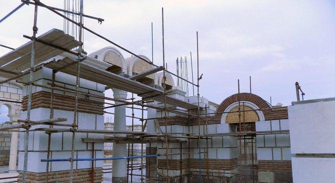 Поставиха арки в Голямата базилика в Плиска
