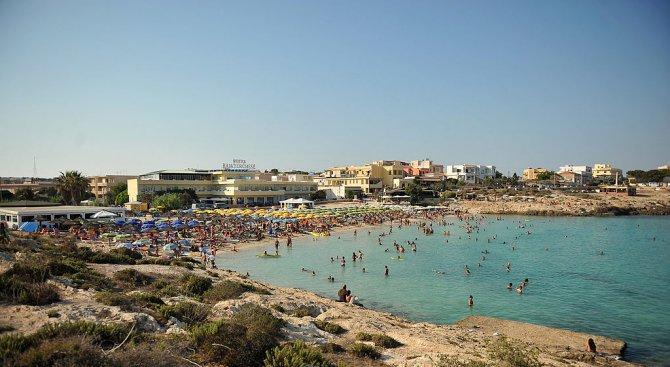Силни бури разрушиха природен феномен в Малта (снимки)