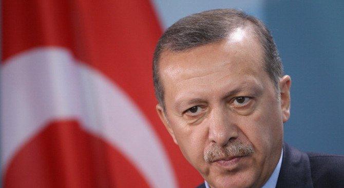 Депутат от партията на Ердоган сред изгонените от ДАНС