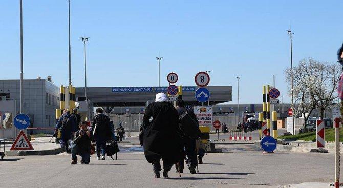 ДОСТ прецакаха изселниците, трябва да си купят билети, за да се приберат в Турция