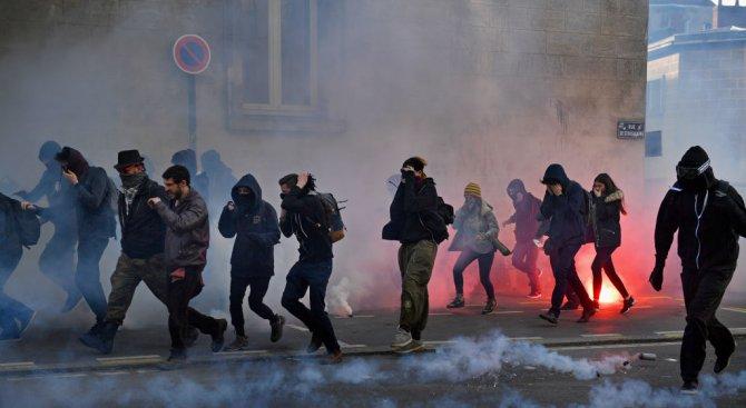 Извършено от полицаи убийство запали Париж (видео)