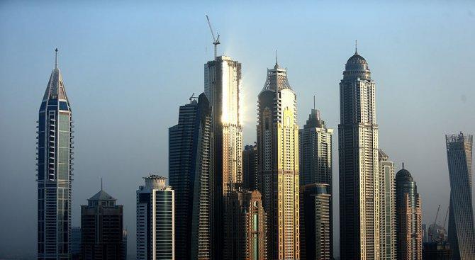 Пожар избухна в строяща се сграда в центъра на Дубай