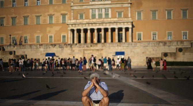 Гръцките банки погват длъжниците си