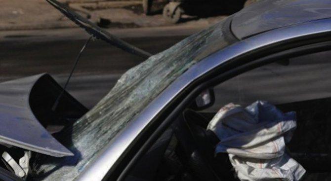Кола излетя от пътното платно, мъж загина на място край Варна