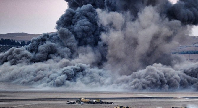 """""""Майката на всички бомби"""" е ликвидирала вчера 36 джихадисти от ИД в Афганистан (видео)"""
