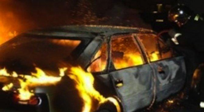 Прокуратурата в Плевен разследва палеж на три автомобила тази нощ