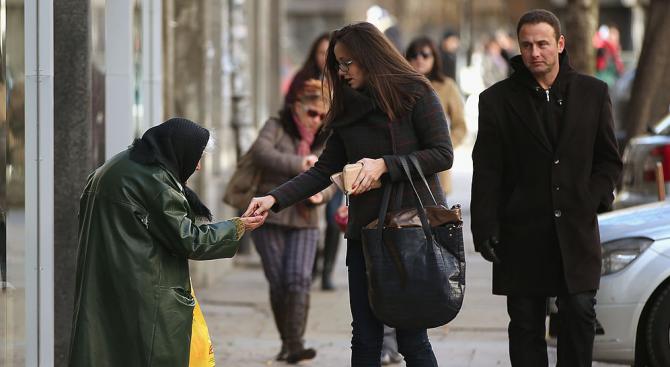 С 52 000 души е намаляло населението на България за една година