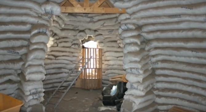 Земните къщи на Надер Халили (видео)