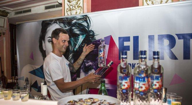 Представиха новата FLIRT 5 с уникално барманско шоу (снимки)