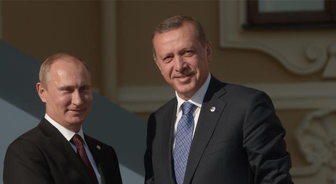 Путин поздрави Ердоган за резултатите от референдума в Турция