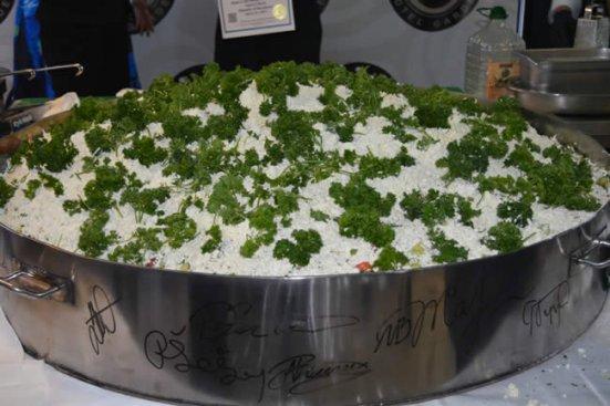 В Охрид направиха най-голямата шопска салата в света (снимки)