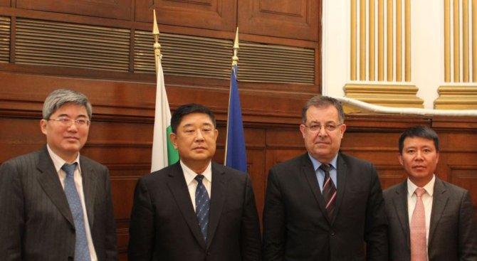 Земеделският министър посрещна делегация от Китай (снимка)