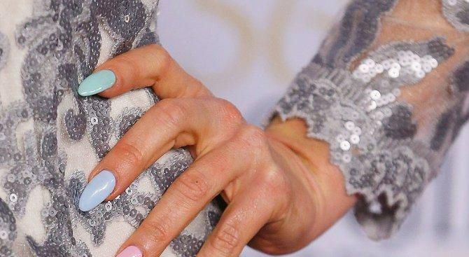 Какво се случва в женското тяло 10 ч. след лакиране на ноктите?