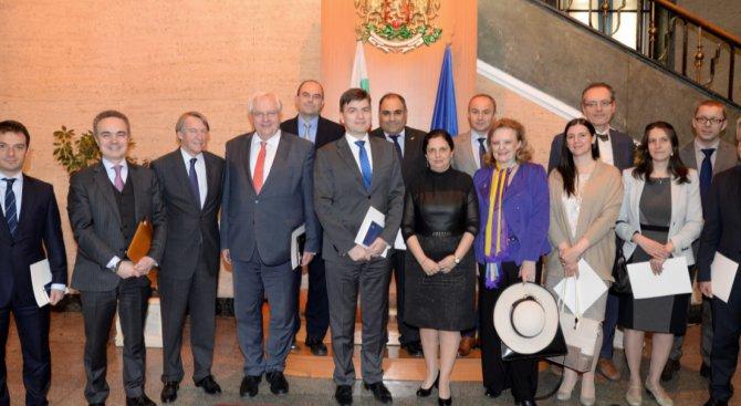 Посланици се интересуват прави ли България съдебна реформа
