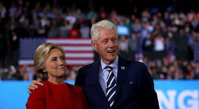 Бил Клинтън пише книга, Хилари е персонаж в два романа