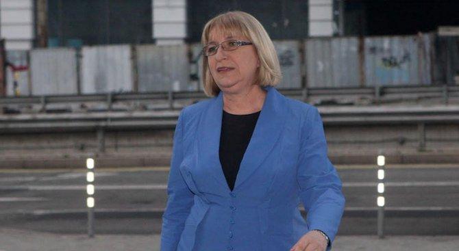 Цецка Цачева пое официално ВСС
