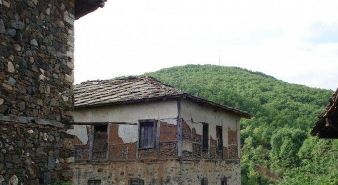 Село Лозен с повече население от 145 града