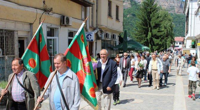 Тетевен почете един от най-големите български военачалници – генерал-лейт. Владимир Вазов