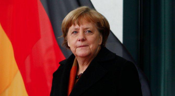 Меркел: В бъдеще може би ни чакат смутни времена