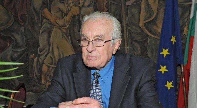 Почина писателят Йордан Василев