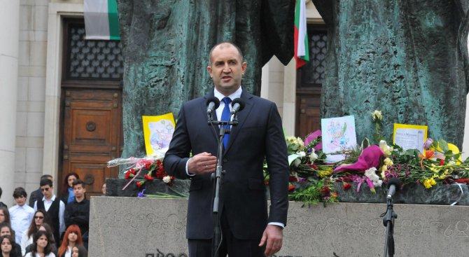 Румен Радев за 24 май: Рицар на буквите може да бъде всяко будно българско дете (видео+галерия)