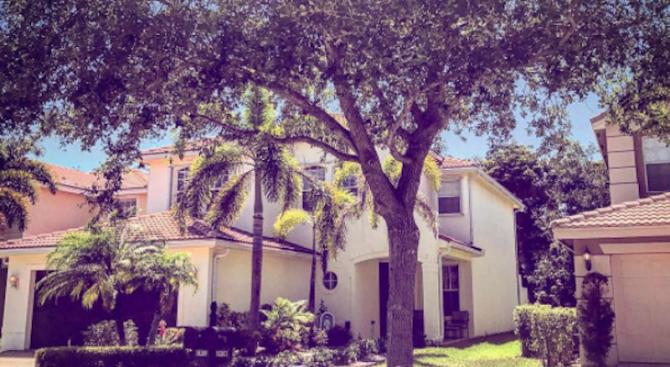 Вижте имението на Мика Стоичкова в Маями
