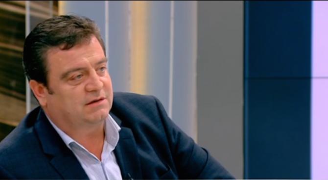 Цветелин Кънчев: Не трябва да говорим за етническа интеграция на циганите, а за социална