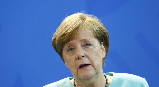 Меркел: Няма връщане назад по отношение на Парижкото споразумение