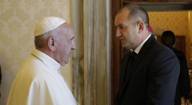 Президентството: При папата трябваше да са само от директор на дирекция нагоре