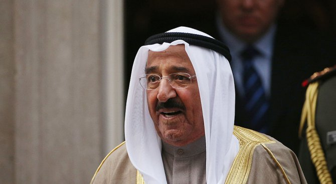Емирът на Кувейт ще разговоря със Саудитския крал в опит да посредничи в конфликта с Катар