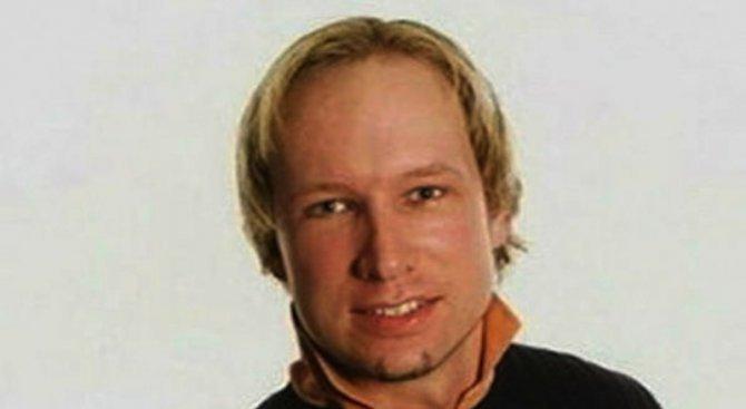 Mасовият убиец Андерш Брайвик си смени името