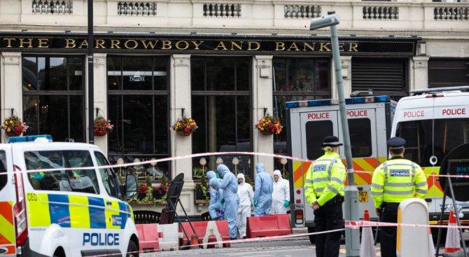 """Откриха коктейли """"Молотов"""" в буса, използван от лондонските терористи"""