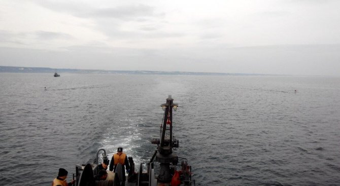 """Вертолет """"Пантер"""" падна в Черно море, има ранени (обновена)"""