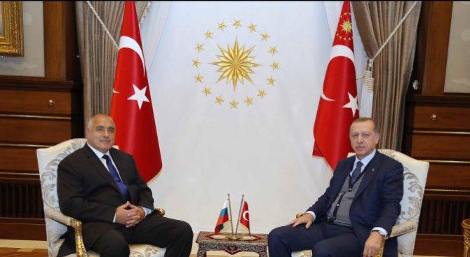 Борисов след срещата с Ердоган: Исках да науча малко повече от кухнята (видео+снимки)