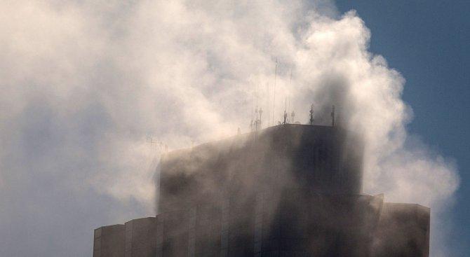 Двама загинали и над 35 пострадали при пожар в хотел в Истанбул