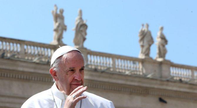 Папа Франциск изрази съболезнования по повод пожара в лондонския небостъргач