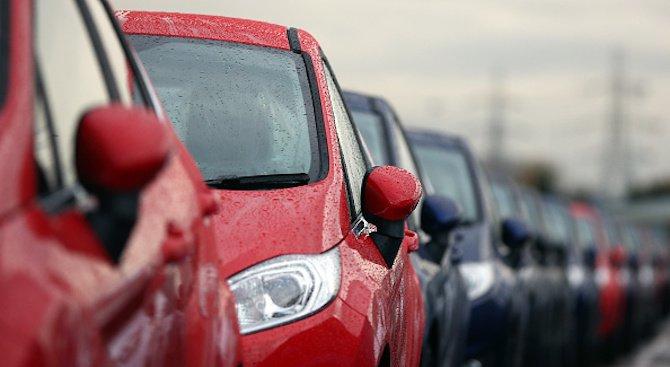 Какви автомобили карат българите?