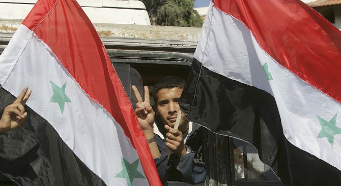 Силите на Башар Асад започнаха офанзива срещу бунтовници покрай границата с Ирак